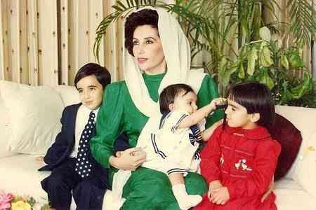 رئيسة وزراء باكستان الراحلة بينظير بوتو