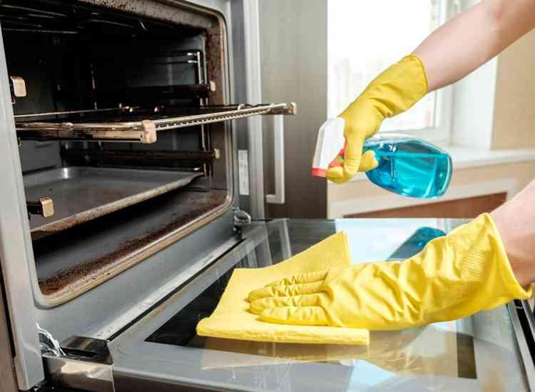 طريقة تنظيف فرن البوتاجاز