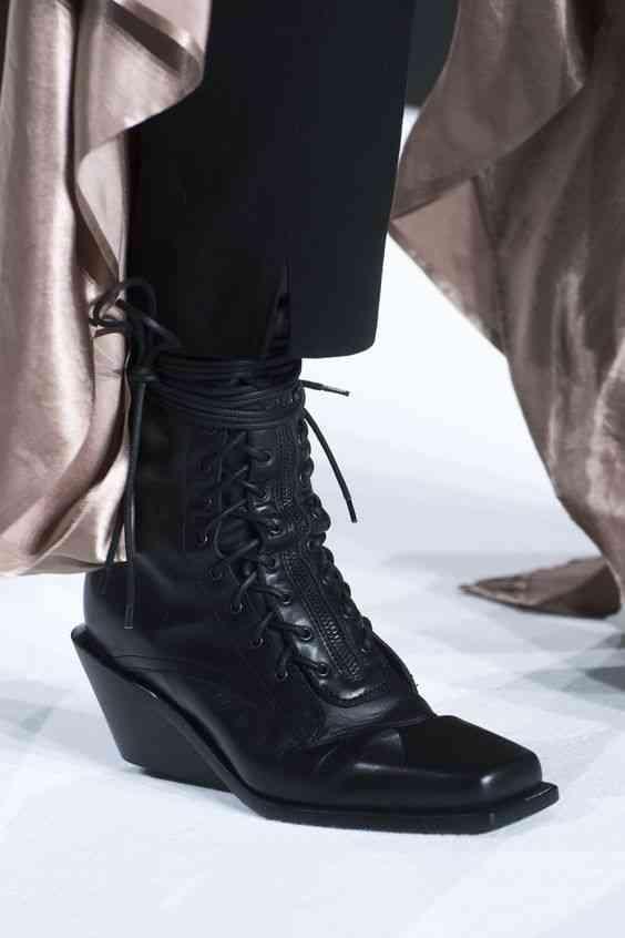 أحذية شتاء 2020 بوت الكعب بأربطة أمامية