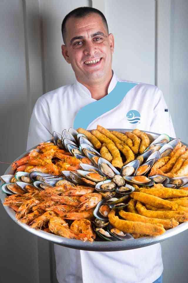 مطعم أسماك بحري