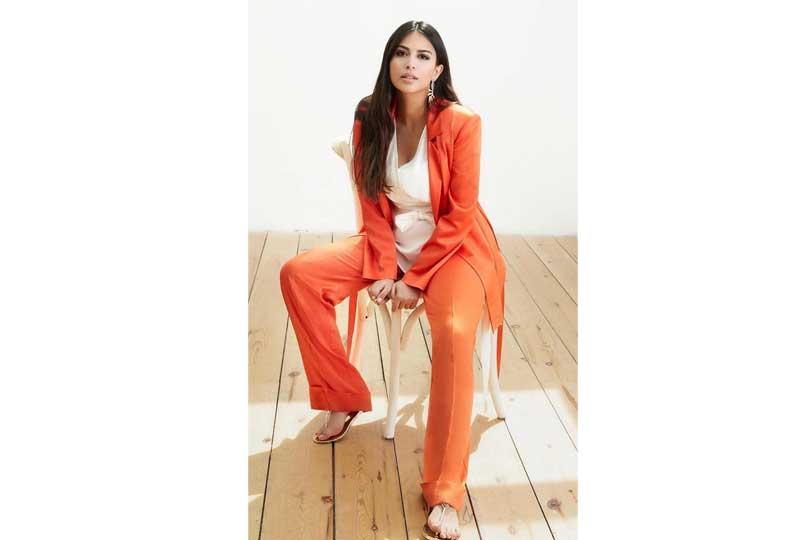 ملابس كاجوال للعيد بدلة نسائية باللون البرتقالي