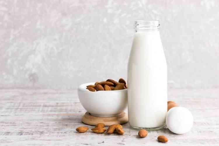 من أنواع الحليب حليب اللوز