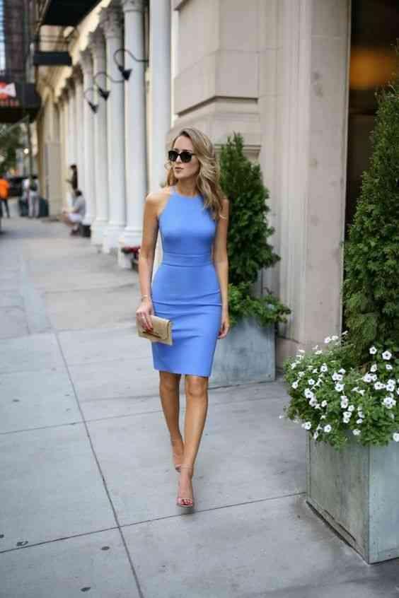 أنواع الفساتين فستان بقصة القلم الرصاص قبل الركبة