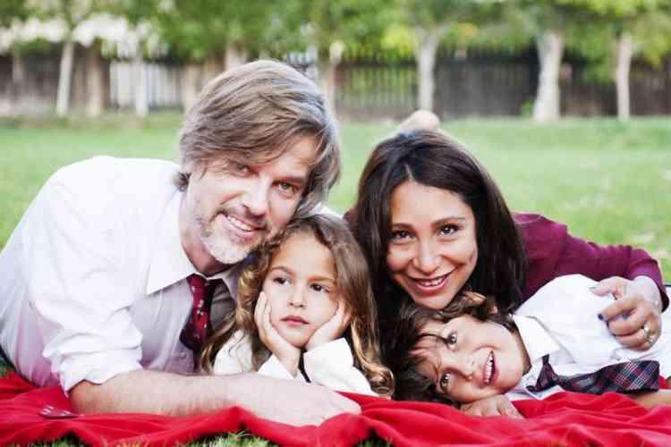هيفاء المنصور وزوجها وأولادها
