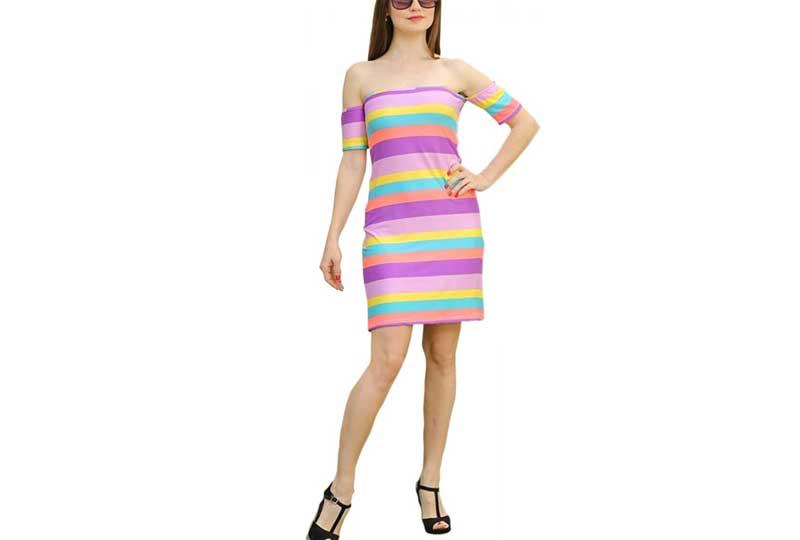 فستان ملون قصير للبحر