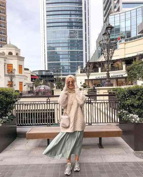 تنسيق الملابس الفضفاضة مع الحجاب