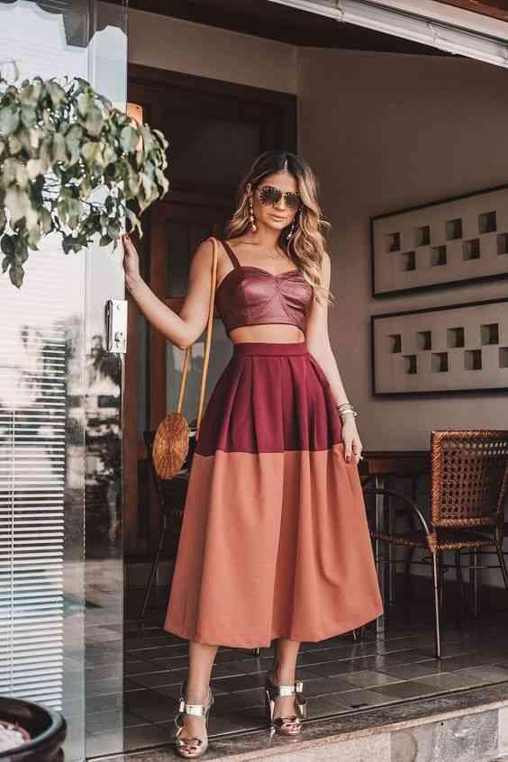 أنواع الفساتين فستان بعد الركبة