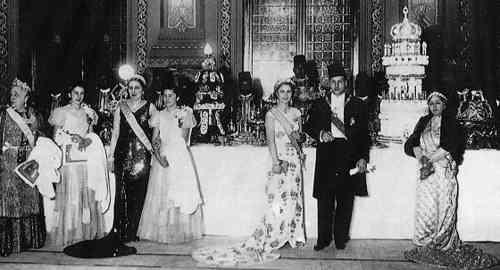 دور الملكة نازلي في تولي الملك فاروق عرش مصر