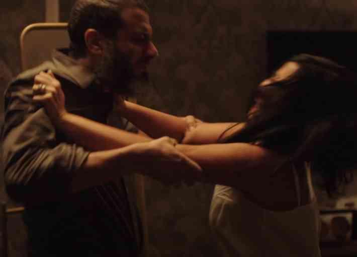 الاغتصاب الزوجي من مسلسل لعبة نيوتن