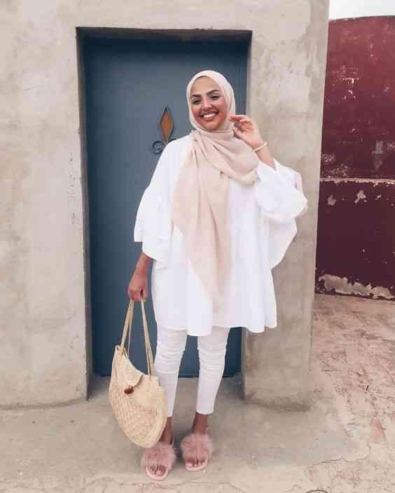 إطلالة باللون الأبيض مع الحجاب