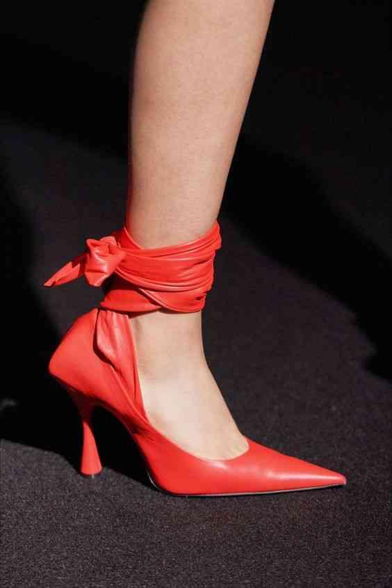 أحذية شتاء 2020 حذاء بأربطة حول الساق