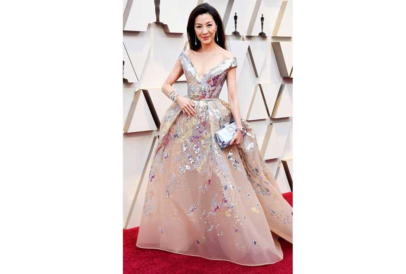 فساتين الأوسكار 2019 فستان ميشيل يووه