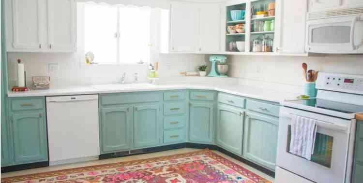 الأخضر الفاتح لخزانات المطبخ