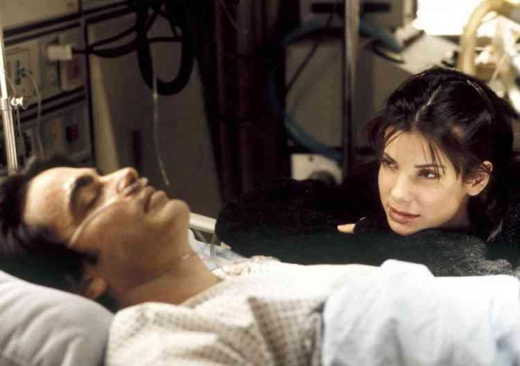 فيلم While you were Sleeping (1995)