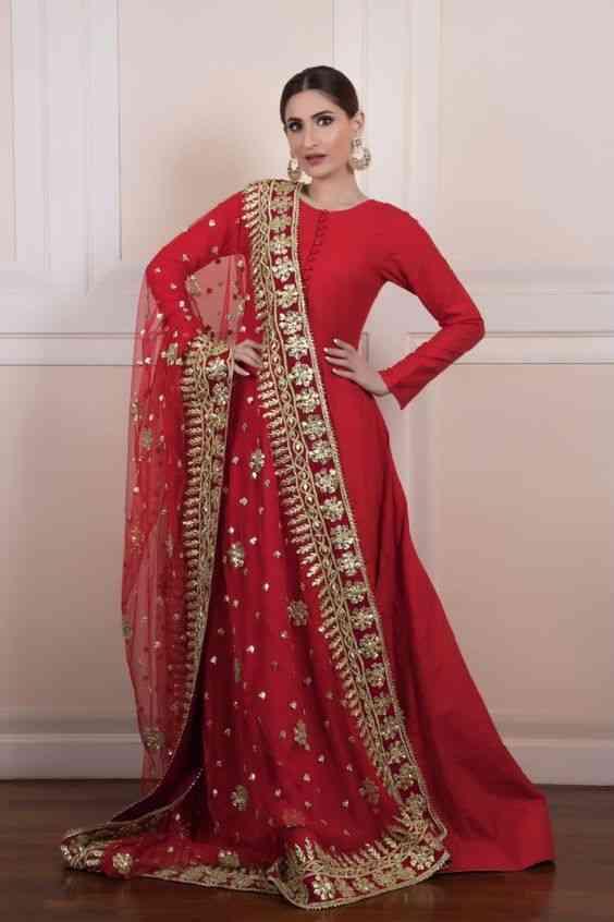 فساتين هندية للمحجبات أحمر