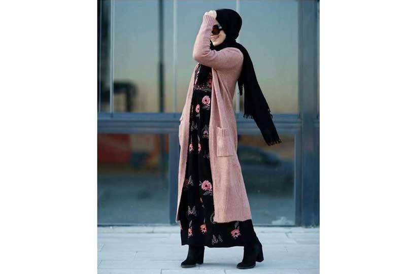 كارديجان شتوي مع فستان مشجر