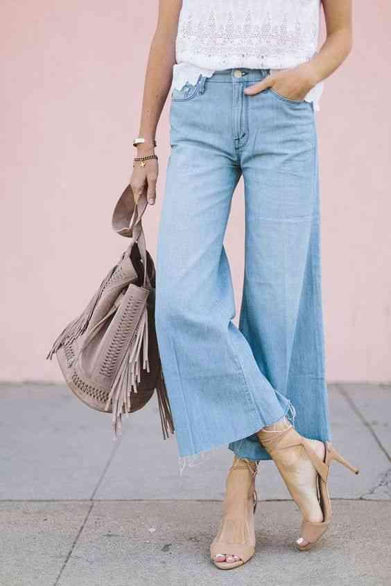 بنطلون واسع جينز مع كعب عالي