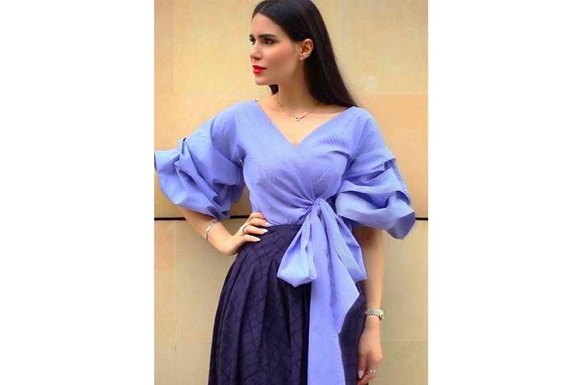 ملابس كاجوال للعيد بلوزة بأكمام واسعة