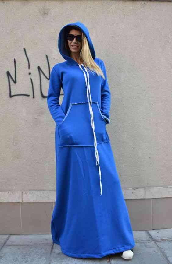 عبايات خروج رياضية باللون الأزرق
