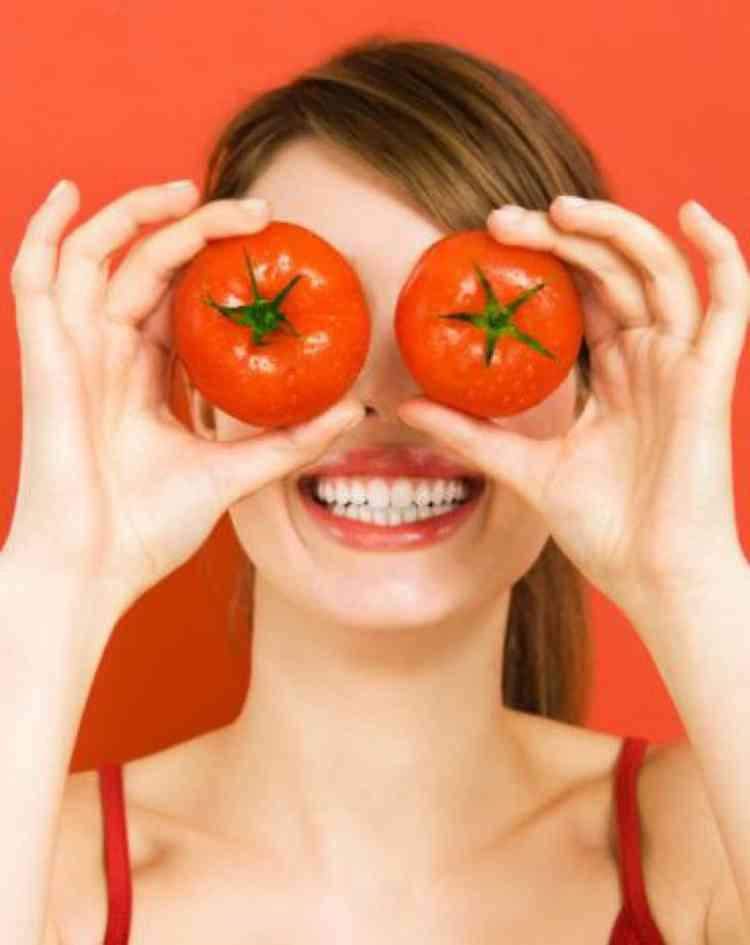 فوائد الطماطم للهالات