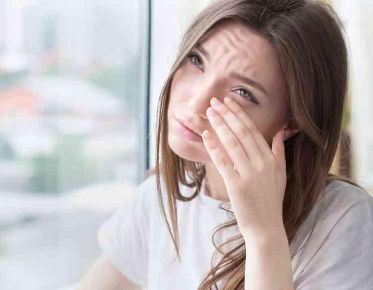 أعراض حساسية العين الموسمية