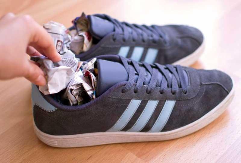 التخلص من الرائحة الكريهة من الأحذية